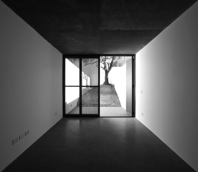 Conesa 4560. CABA, Argentina. Adamo Faiden arquitectos. 2008. Photograph: Sergio Pirrone