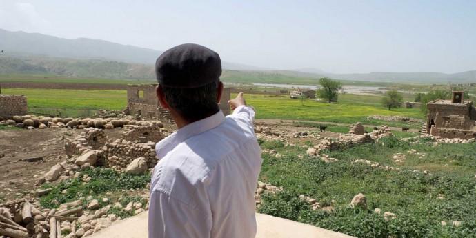 Destrucció d'un poble; terra arrasada per una campanya militar .